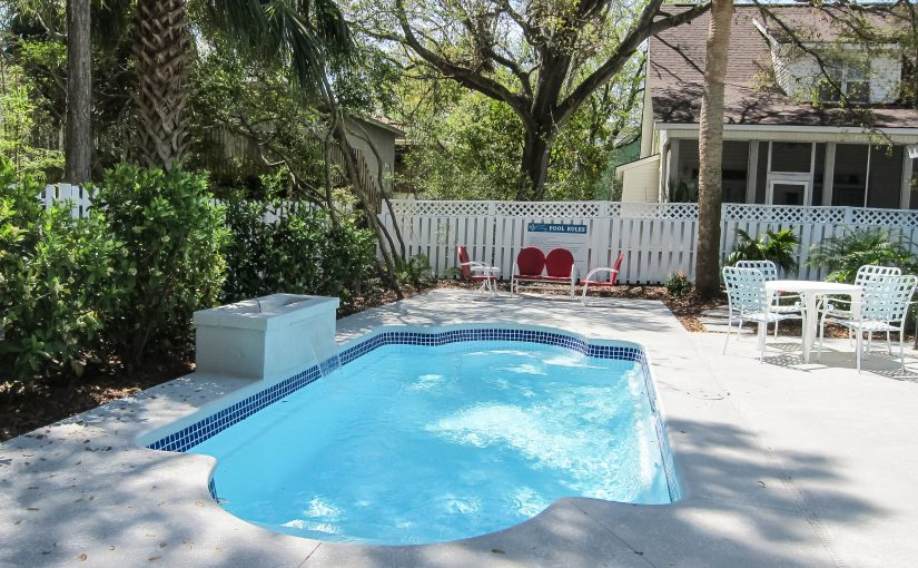 Coral Cottage Cool by the Pool – Reserve Now